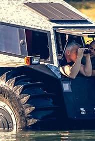 Matt LeBlanc and Chris Harris in Top Gear (2002)