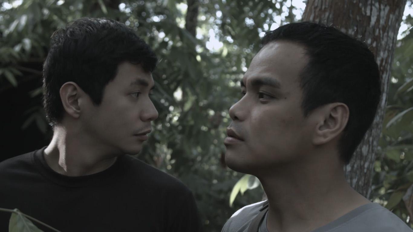 Bong Cabrera and Mike Liwag in Ang araw sa likod mo (2017)
