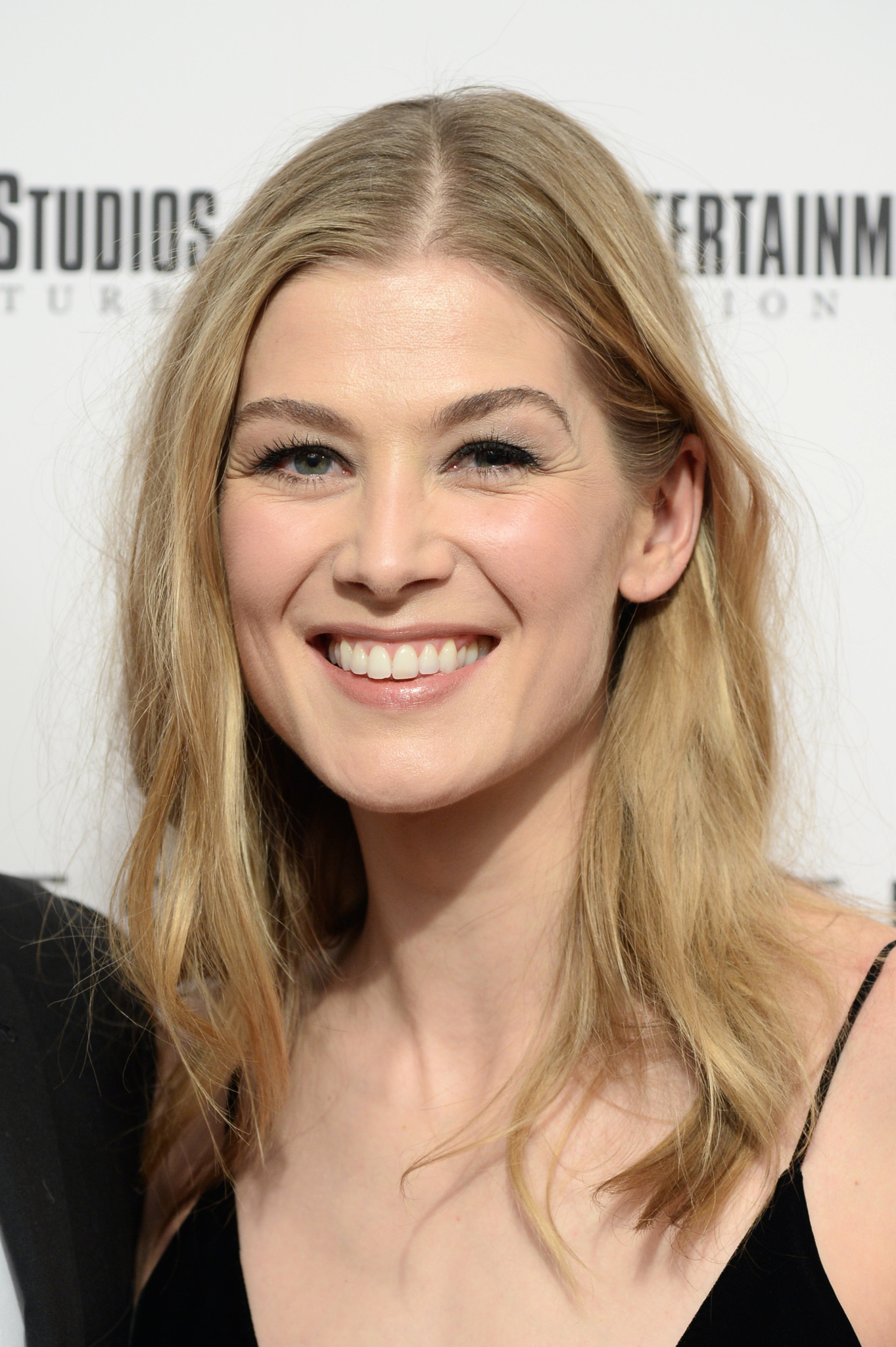 Rosamund Pike (born 1979) Rosamund Pike (born 1979) new pics