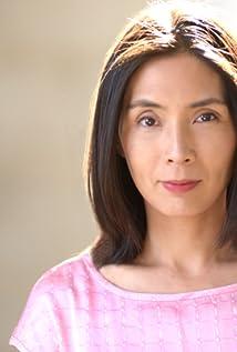 Kathleen Kwan Picture