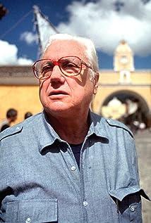 Héctor Olivera Picture