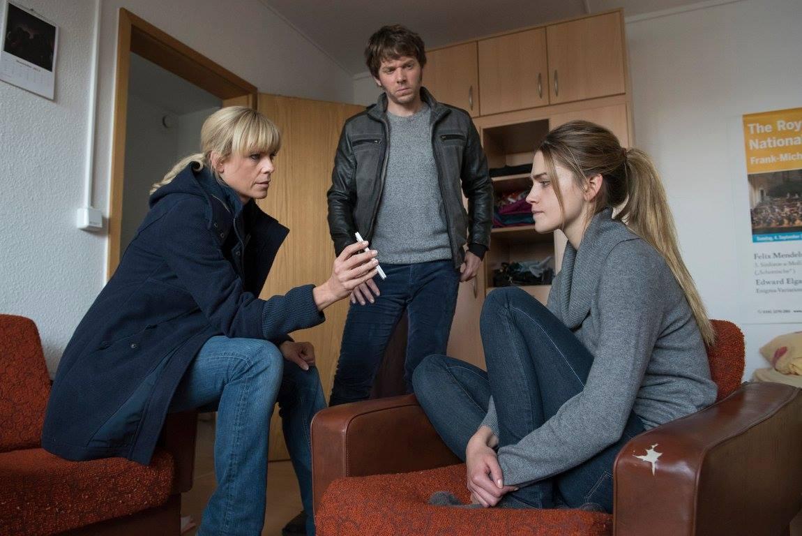 Melanie Marschke, Steffen Schroeder, and Laura Berlin in SOKO Leipzig (2001)