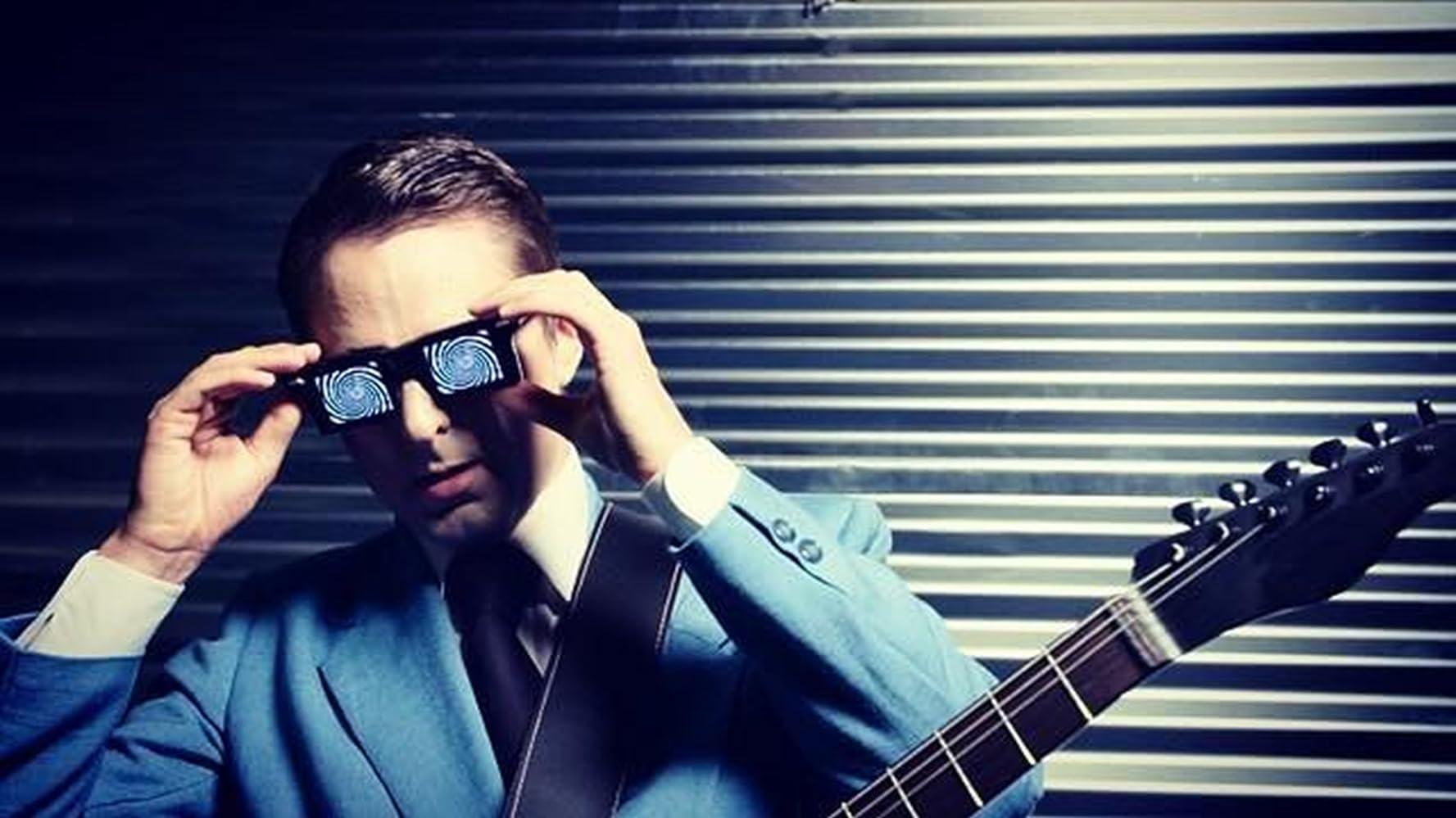 Matt Bellamy en el video de Dig Down