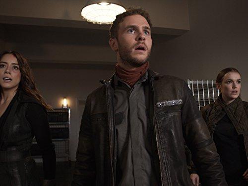 Iain De Caestecker, Chloe Bennet, and Elizabeth Henstridge in Agents of S.H.I.E.L.D. (2013)