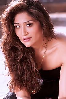 Geetika Tyagi Picture