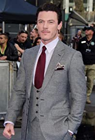 Primary photo for Luke Evans