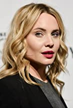 Leah Pipes's primary photo