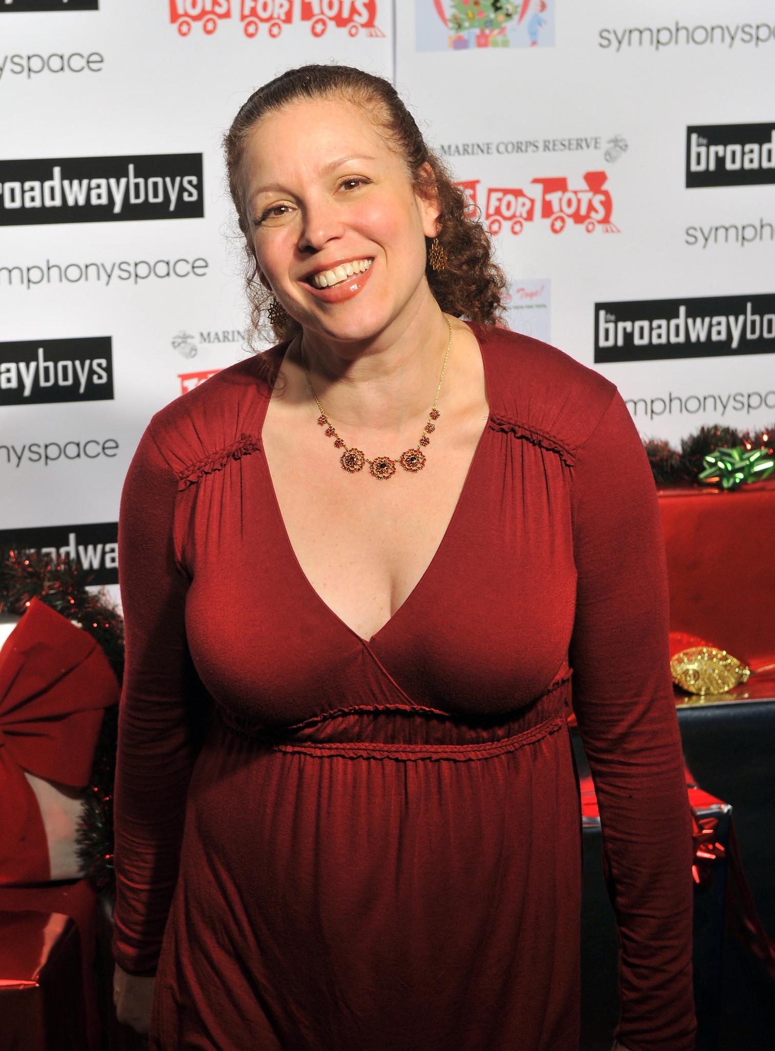 Laura Dean (actress)