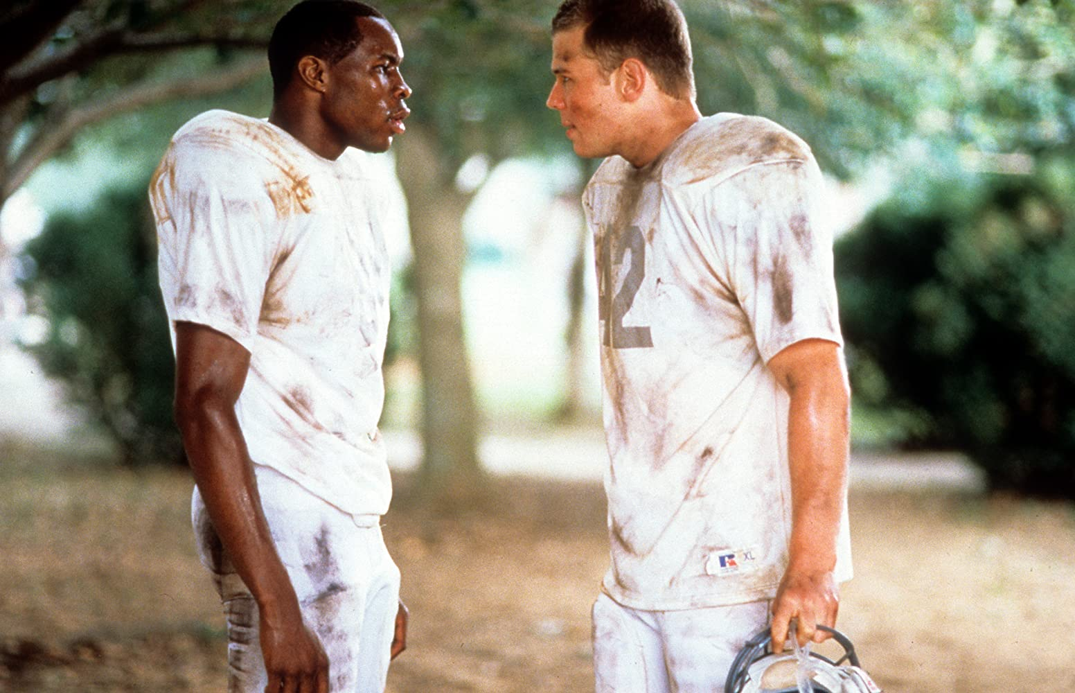 Wood Harris and Ryan Hurst in Remember the Titans (2000)