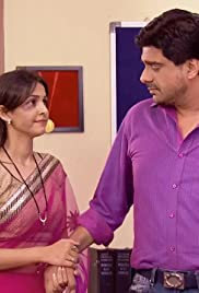 Siddhi tries to motivate Kunal Poster