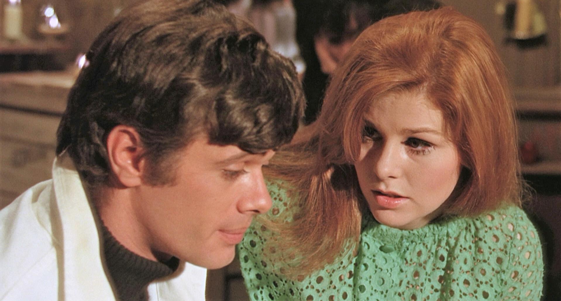 Jennifer Leak and Michael Sarrazin in Eye of the Cat (1969)