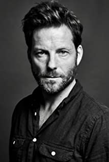 Jamie Bamber Picture