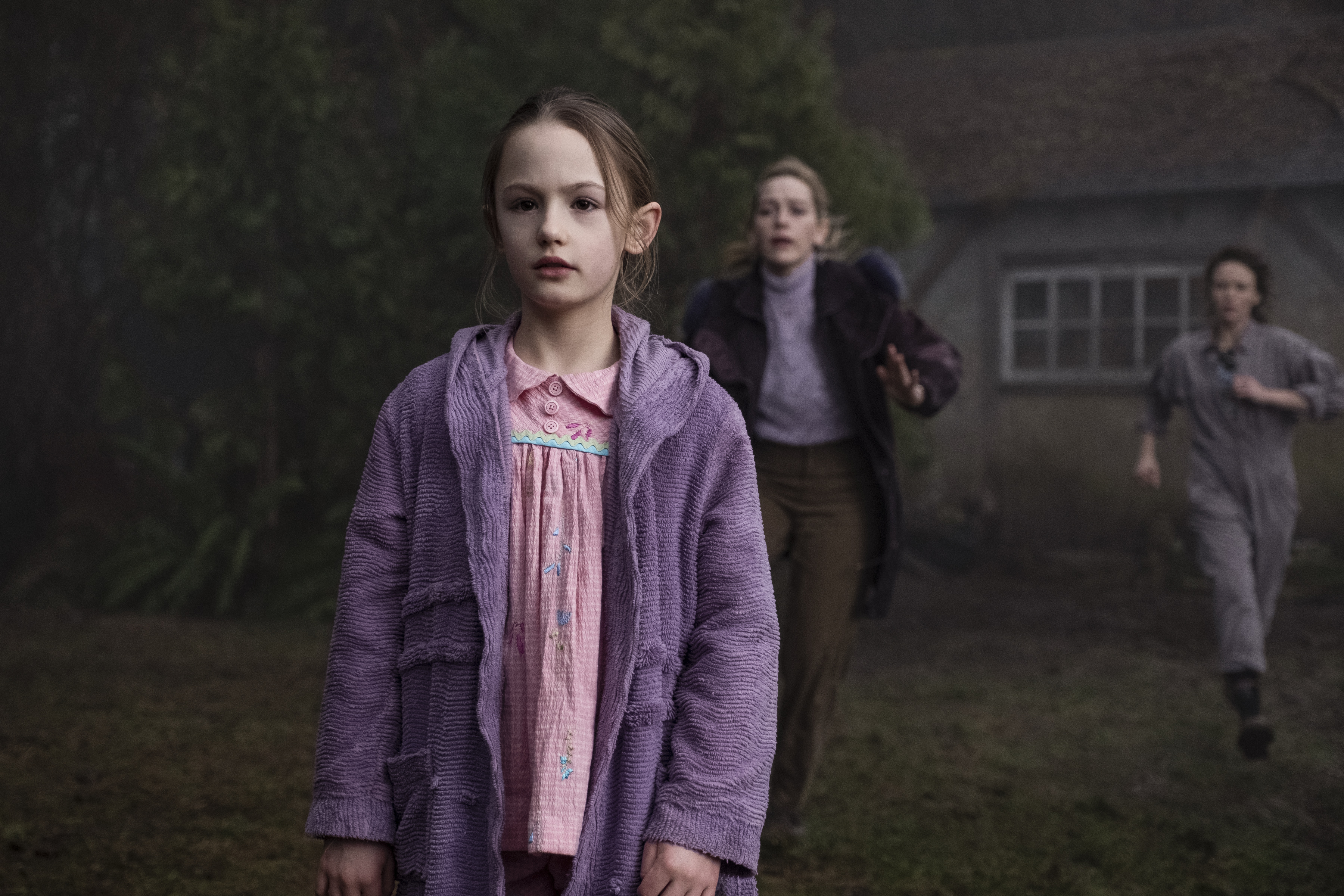 Amelia Eve, Victoria Pedretti, and Amelie Bea Smith in The Haunting of Bly Manor (2020)