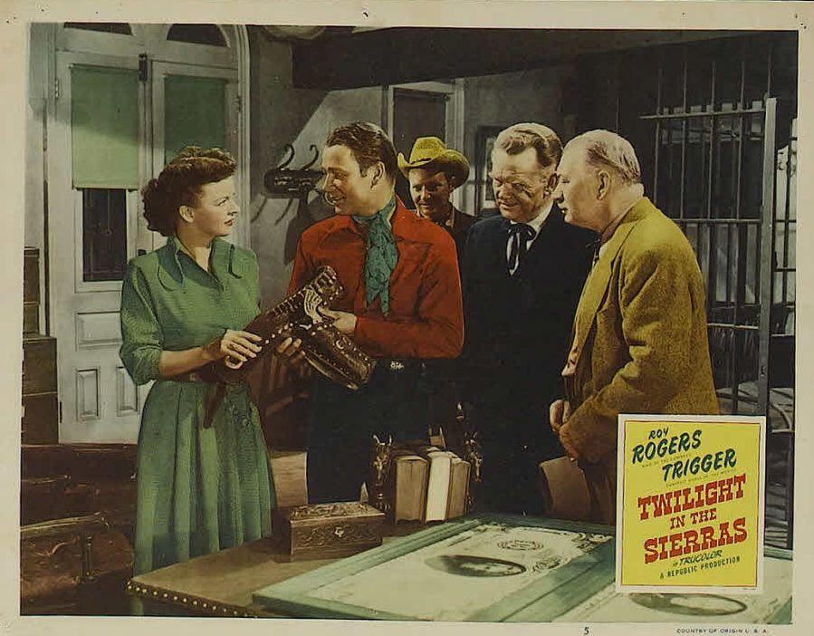 Roy Rogers, Pat Brady, Dale Evans, Edward Keane, and Harry Strang in Twilight in the Sierras (1950)