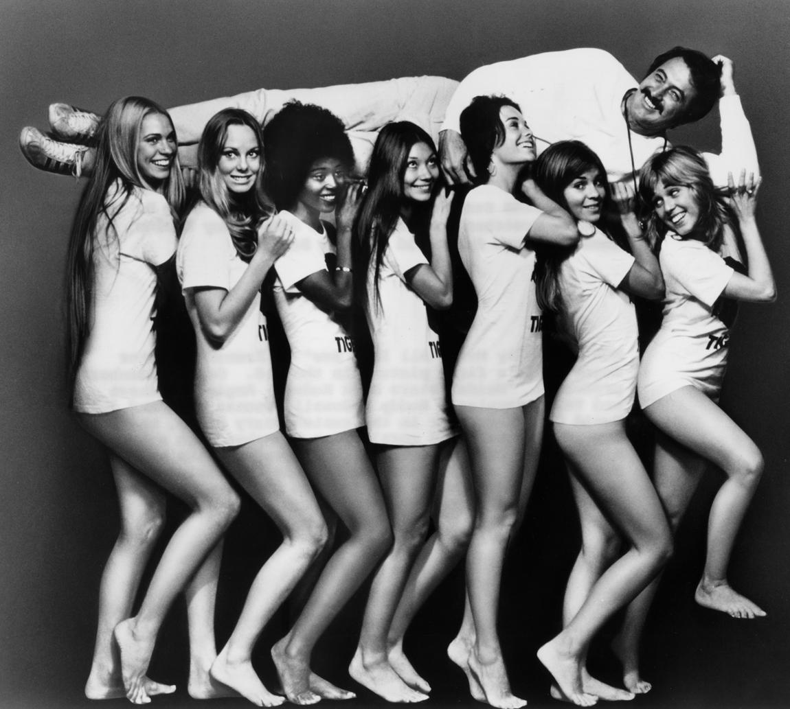Rock Hudson, Joy Bang, Gretchen Carpenter, JoAnna Cameron, Aimee Eccles, June Fairchild, Margaret Markov, and Brenda Sykes in Pretty Maids All in a Row (1971)