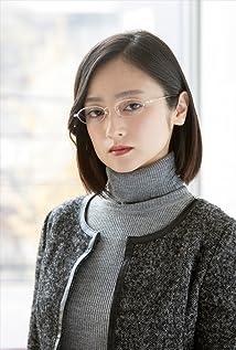 Yumi Adachi Picture