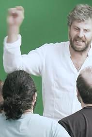 Raúl Cimas, J. Anthony P. Montilla, and Diego Requena in Series de saldo (2017)