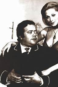 Thelma Stefani and Oscar Viale in Clínica con música (1974)