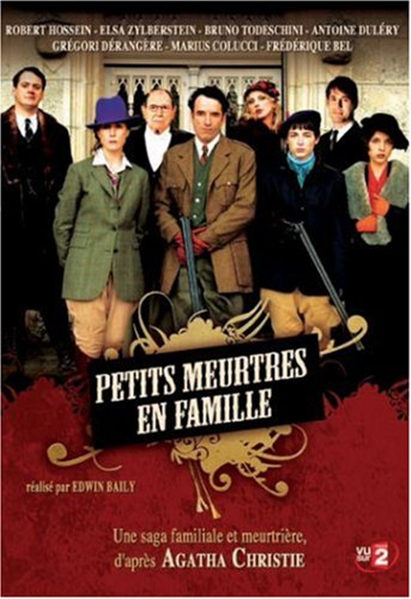 Elsa Zylberstein and Frédérique Bel in Petits meurtres en famille (2006)