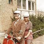 Ove Sprogøe and Bodil Udsen in Støv på hjernen (1961)