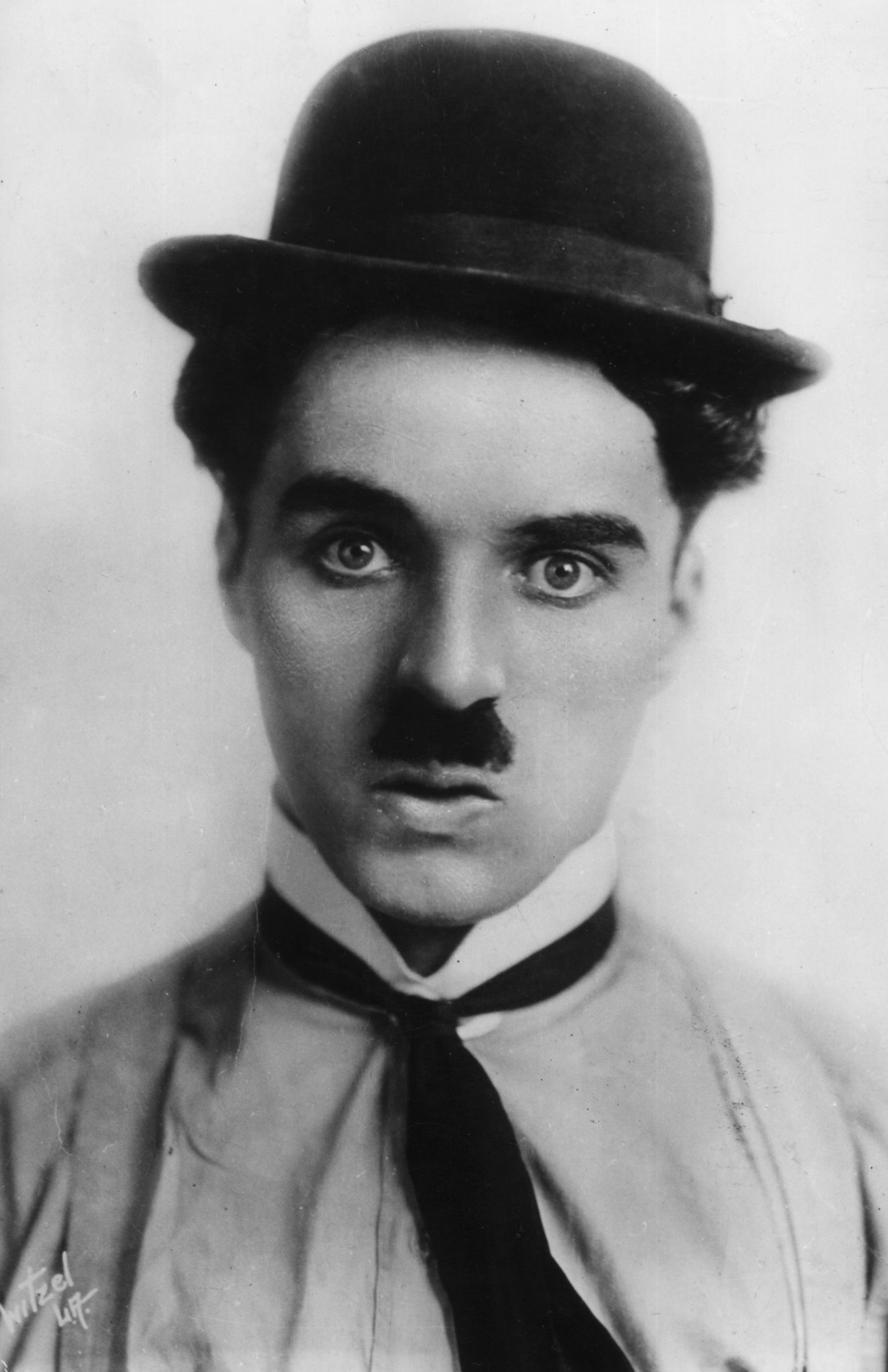 Charlie Chaplin Biography Pdf In Hindi