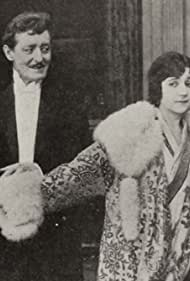 Marc McDermott and Mabel Trunnelle in The Destroying Angel (1915)