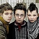 Mira Barkhammar, Mira Grosin, and Liv LeMoyne in Vi är bäst! (2013)