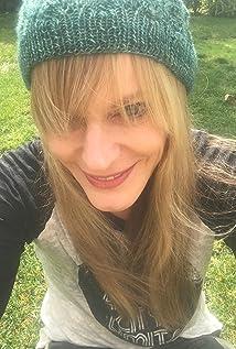 Jennifer Celotta Picture