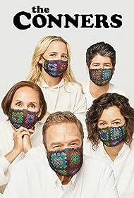 John Goodman, Sara Gilbert, Michael Fishman, Alicia Goranson, and Laurie Metcalf in The Conners (2018)