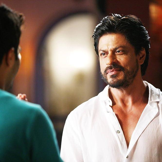Shah Rukh Khan and Varun Dhawan in Dilwale (2015)