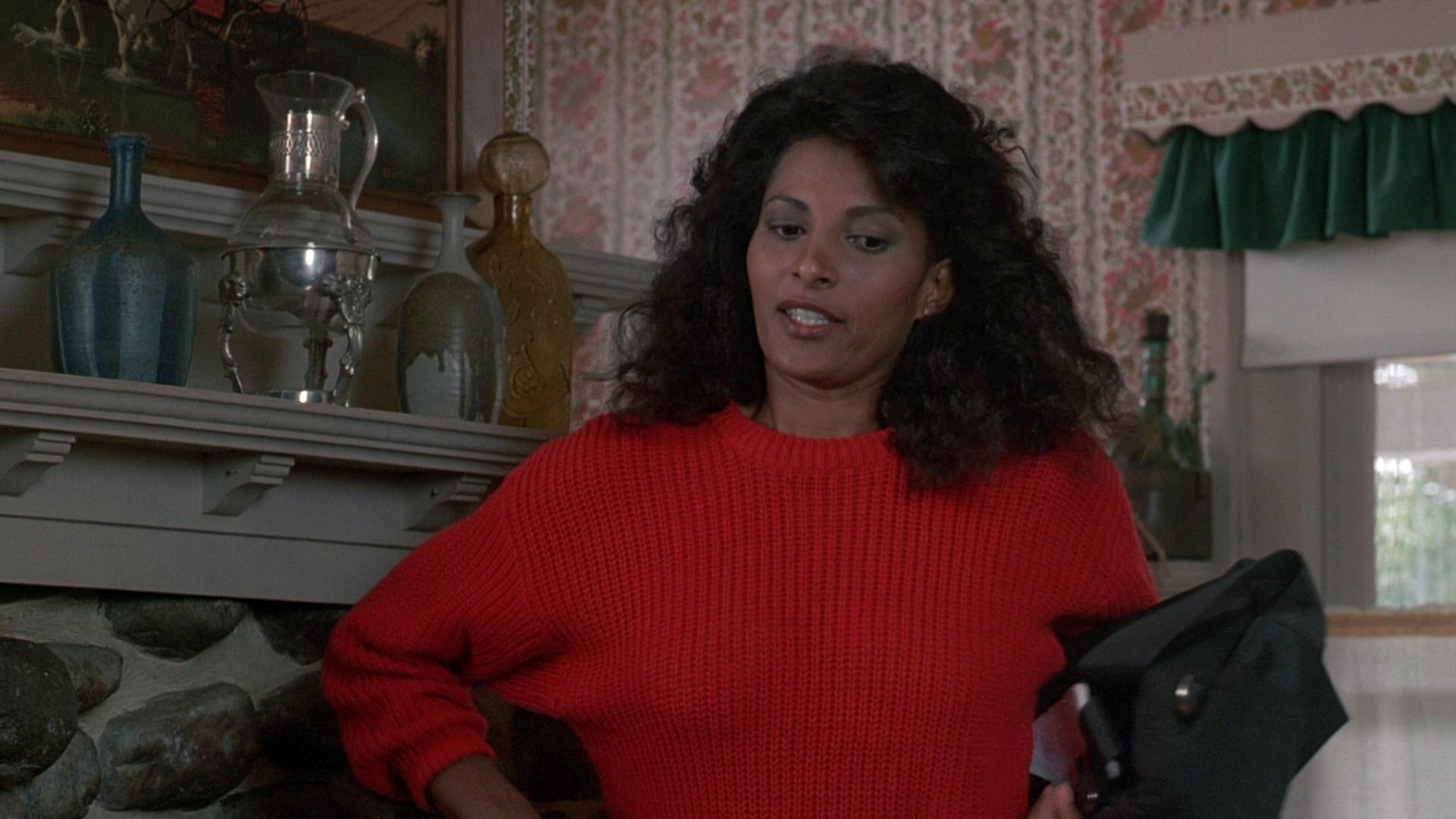 Pam Grier in Stand Alone (1985)