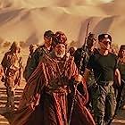 Kurt Russell, Erick Avari, John Diehl, Gianin Loffler, and Derek Webster in Stargate (1994)