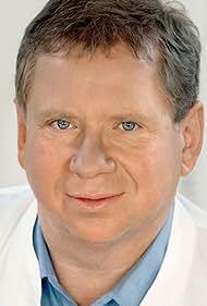 Rainer Hunold in Dr. Sommerfeld - Neues vom Bülowbogen (1997)