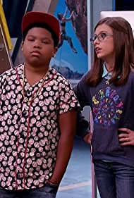 Benjamin Flores Jr. and Cree Cicchino in Game Shakers (2015)