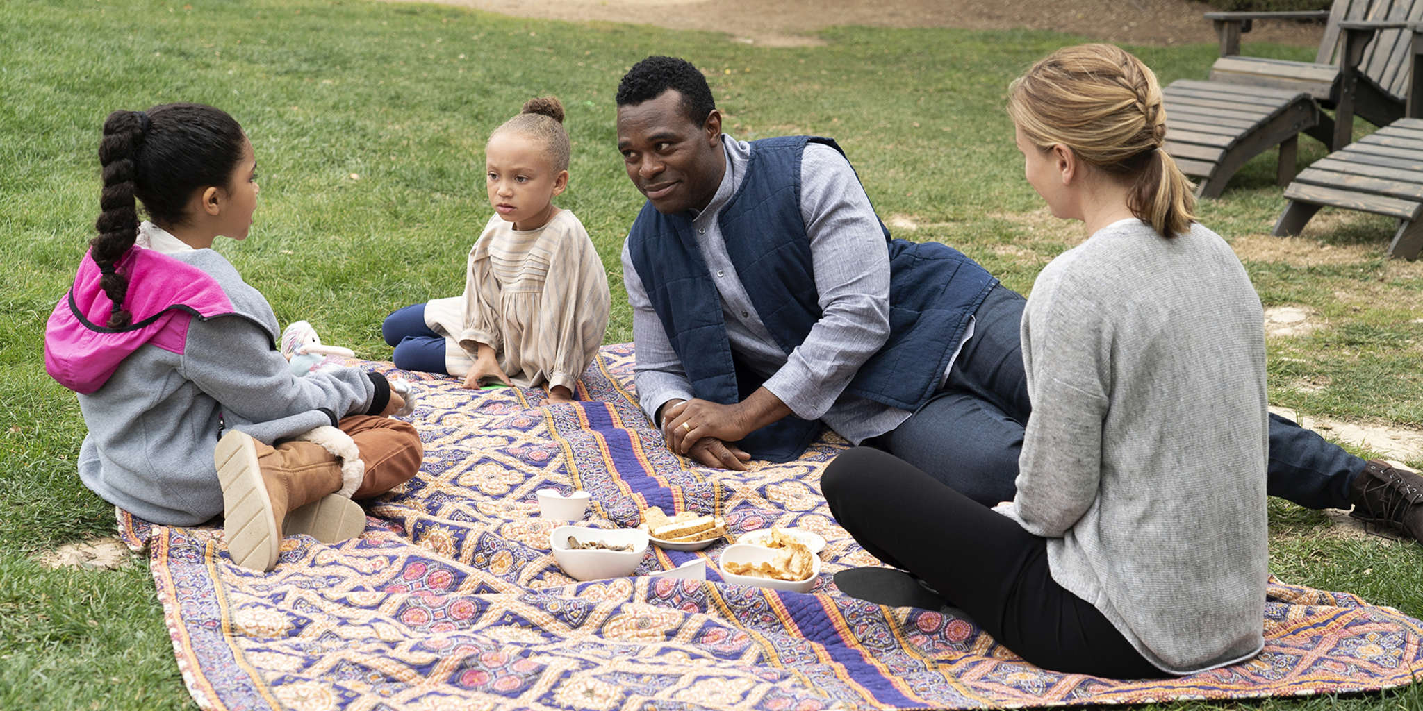 Anna Paquin, Lyriq Bent, Jaidyn Triplett, and Mykal-Michelle Harris in The Affair (2014)