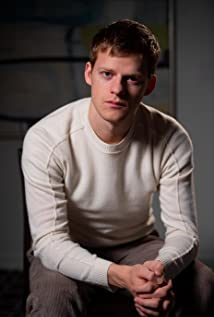 Lucas Hedges Picture