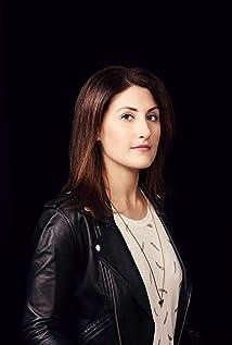 Jen Statsky Picture