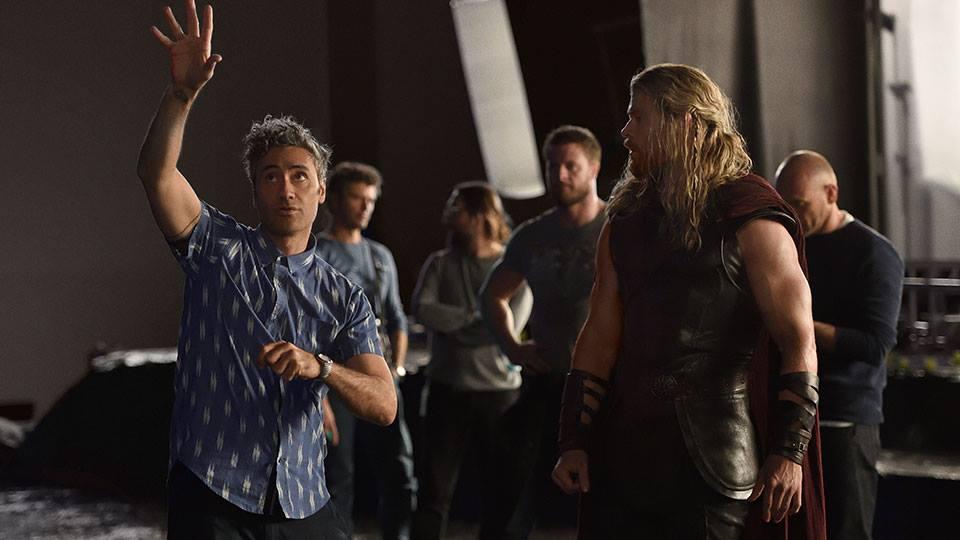 Taika Waititi and Chris Hemsworth in Thor: Ragnarok (2017)