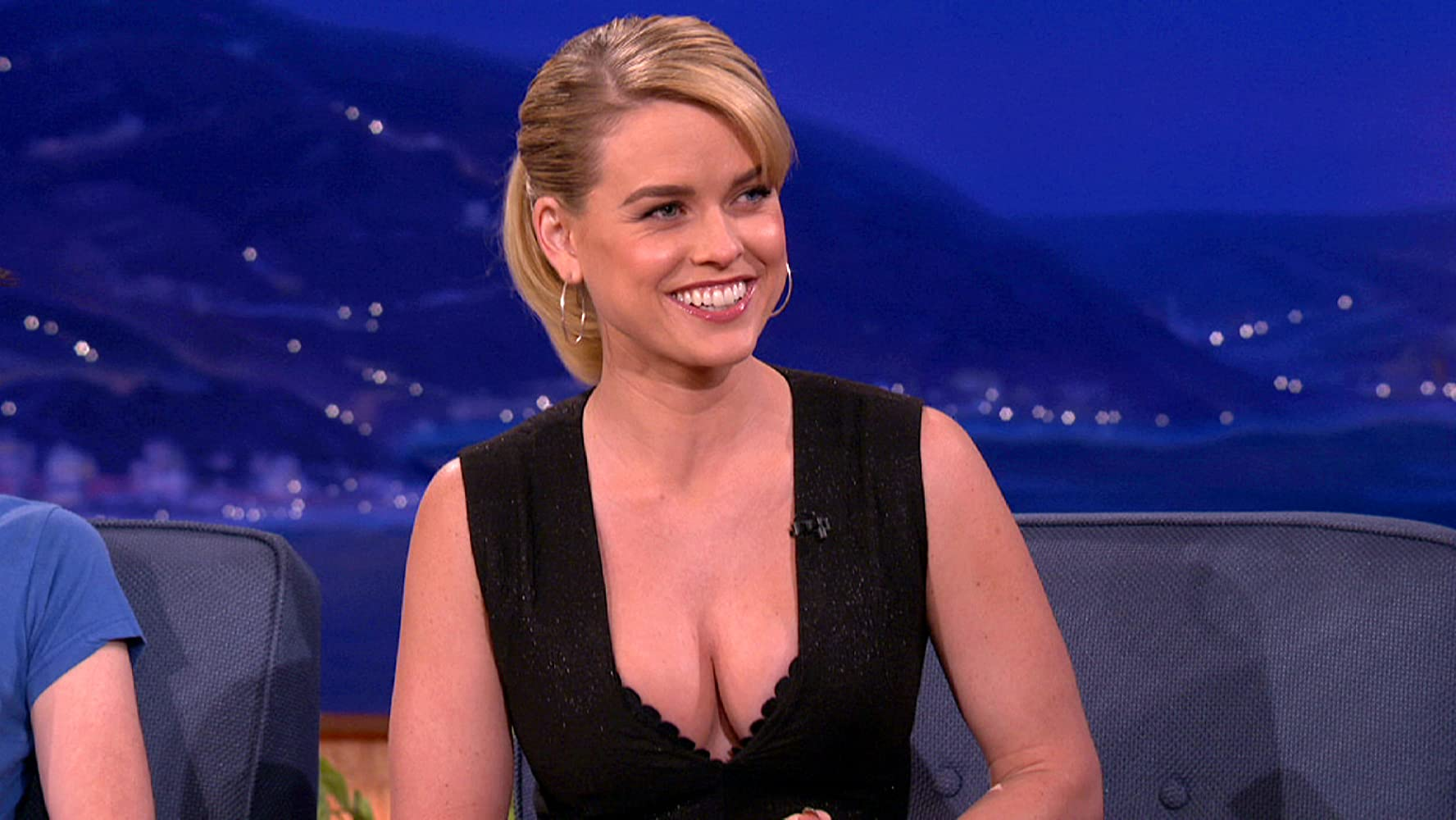 Alice Eve nudes (88 photos), Topless, Paparazzi, Feet, legs 2018