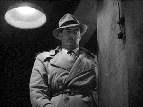 Raymond Burr in Red Light (1949)