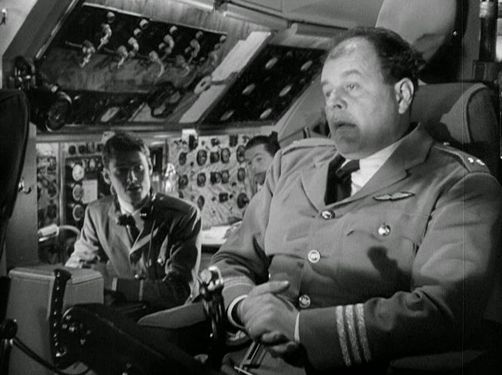 Niall MacGinnis and Pete Murray in No Highway (1951)