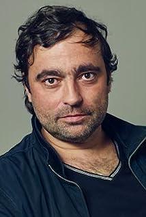 Yan Schoenefeld Picture