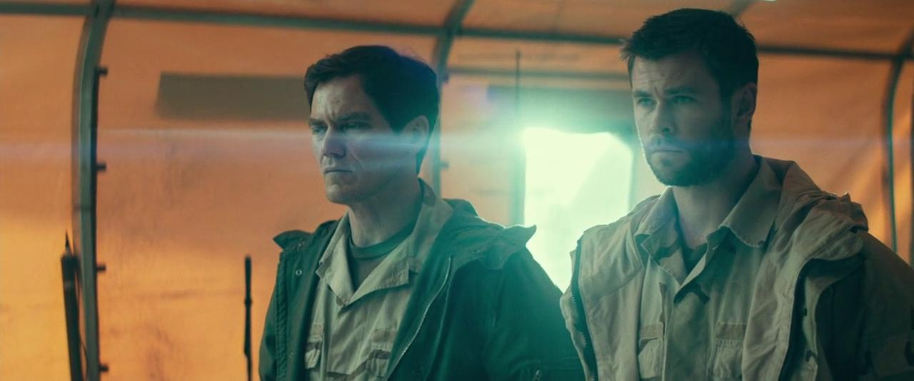 Michael Shannon and Chris Hemsworth in 12 Strong (2018)