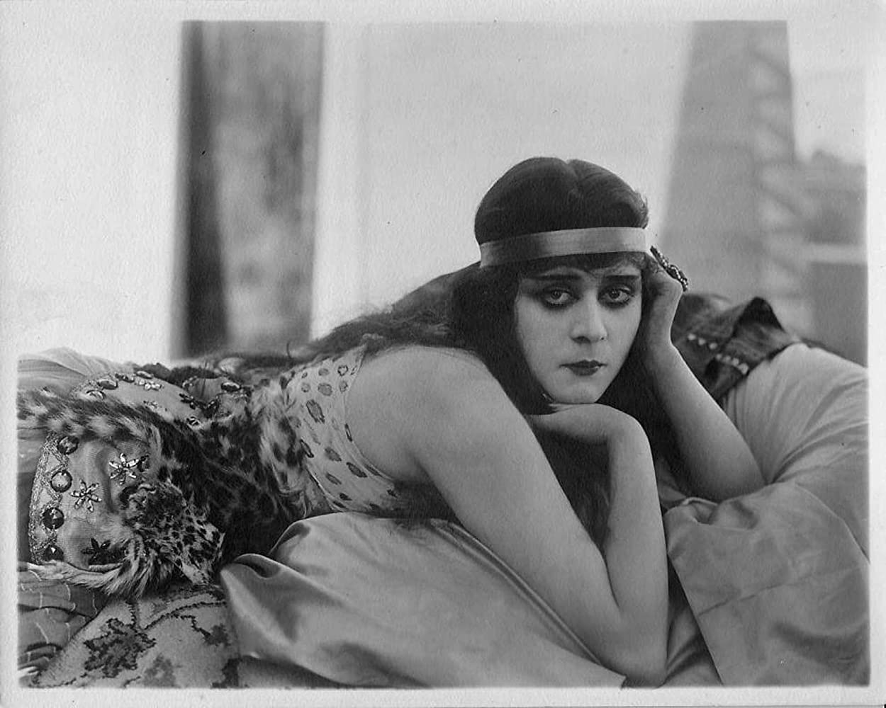 picture Theda Bara