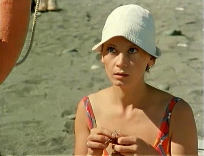 Svetlana Smirnova in Dama s popugaem (1988)