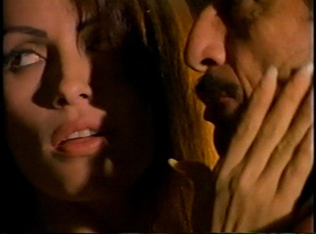 Jorge Luke and Patricia Muñoz in Venganza sangrienta (1996)