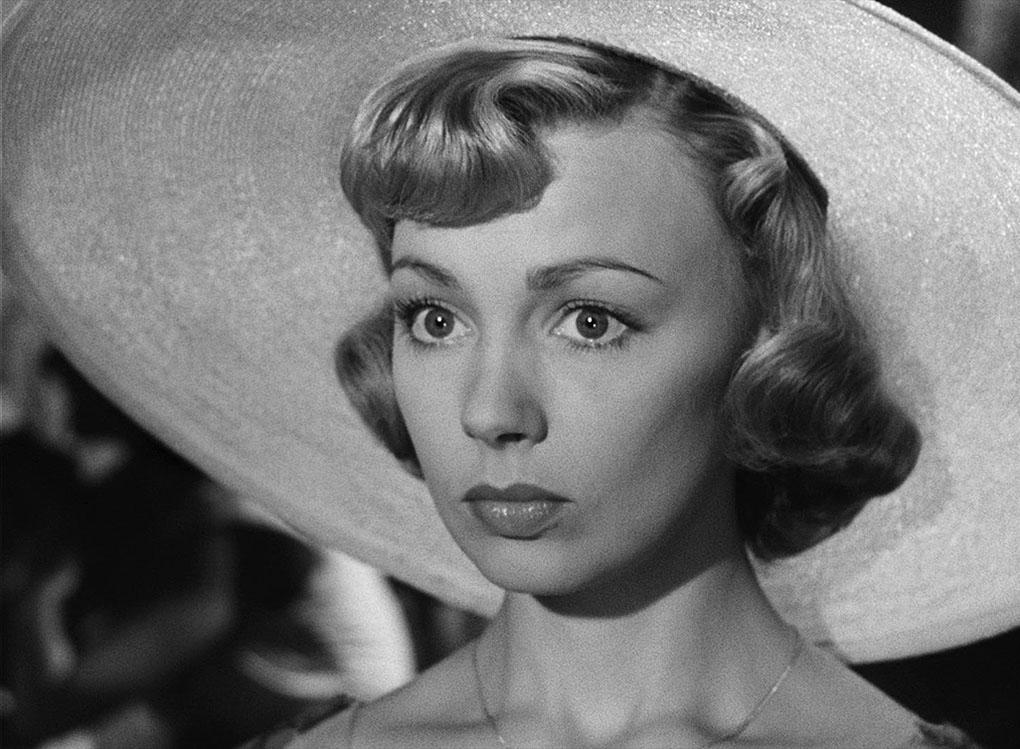 Dany Robin in La fête à Henriette (1952)