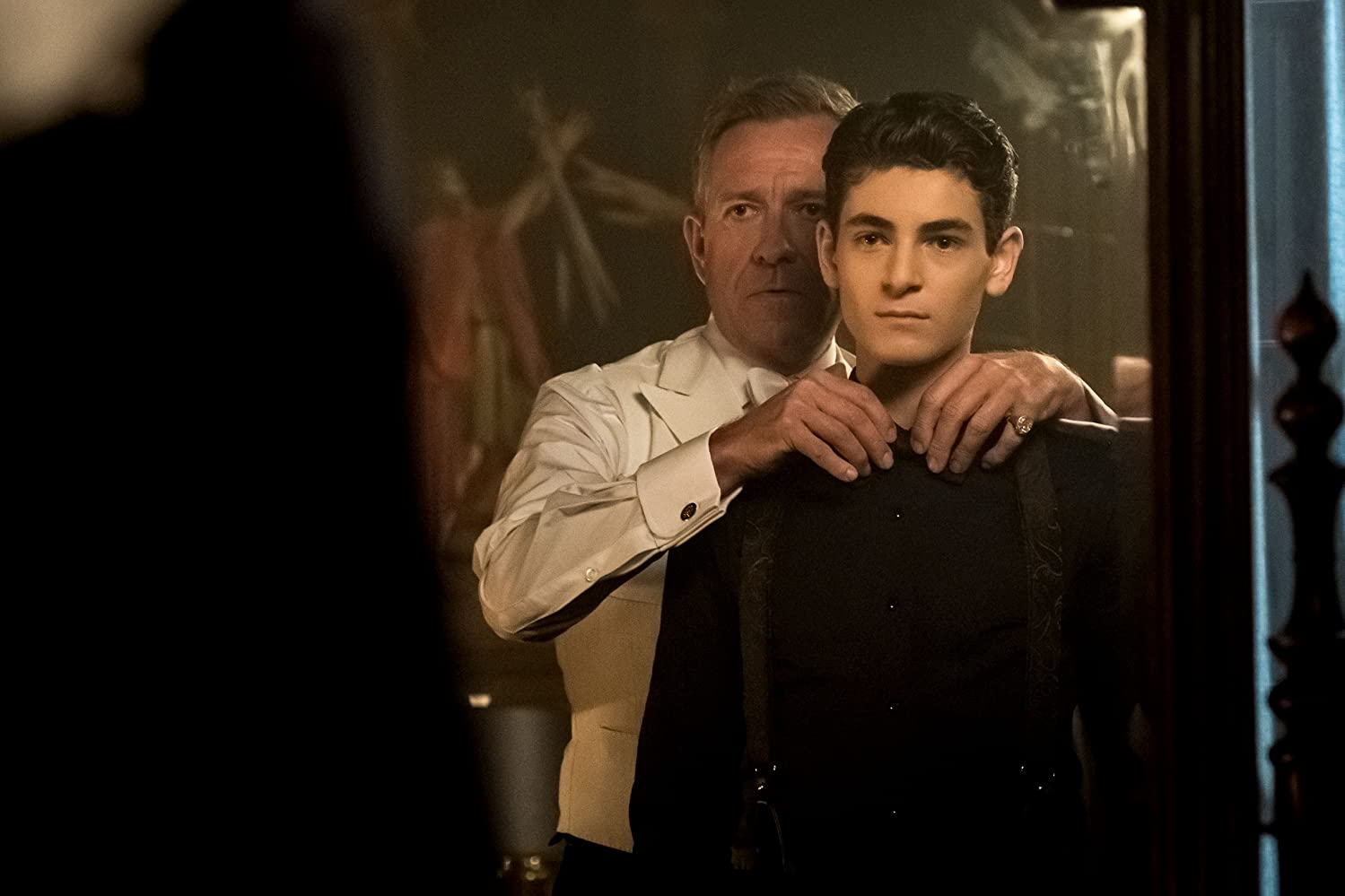Sean Pertwee and David Mazouz in Gotham (2014)