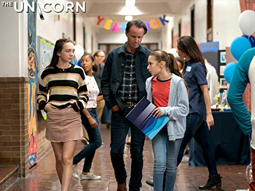 Walton Goggins, Makenzie Moss, and Ruby Jay in The Unicorn (2019)