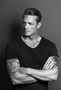 Primary photo for Joel Kinnaman